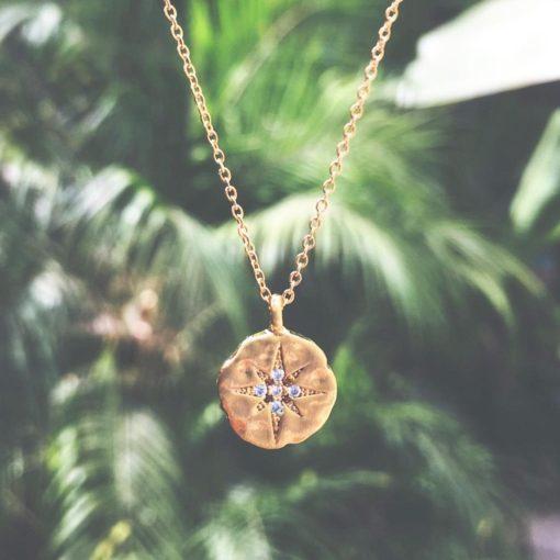Damenschmuck, Halskette mit Anhänger Goldener Nordstern