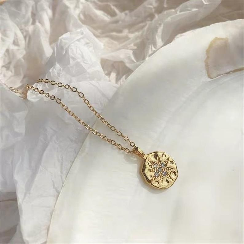 Modeschmuck, Halskette mit Anhänger Goldener Nordstern