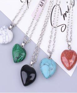 Halskette mit Herz aus echtem Stein, Schweiz