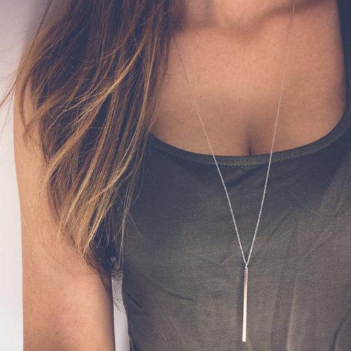 Lange Damen Halskette mit Stab Anhänger